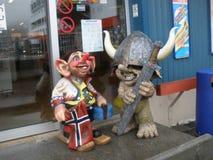 Fiska med drag i statyer i Hammerfest arkivfoto