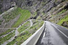 Fiska med drag i vägen, Norge Arkivfoto