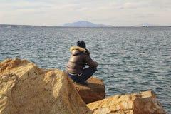 Fiska och koppla av i en solig dag Royaltyfria Foton