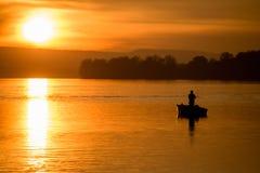 Fiska på ett fartyg Royaltyfria Foton