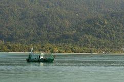 fiska pråm Fotografering för Bildbyråer