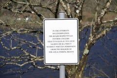 Fiska som är olagligt för att fånga laxen och forellen i sötvattens- flodtecken arkivbild