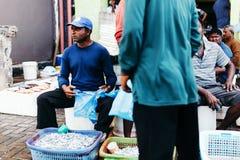 Fiska till salu på fiskmarknaden i staden av mannen, huvudstad av Maldiverna Royaltyfri Fotografi