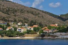 FISKARDO, KEFALONIA, GRIEKENLAND - MEI 25 2015: Panorama van stad van Fiskardo, Kefalonia, Griekenland Stock Afbeelding