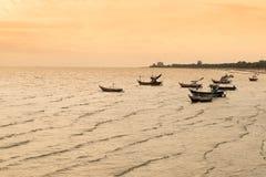 Fiskare Boat på stranden Royaltyfria Bilder