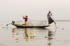 Fiskare i Inle sjösolnedgång, Myanmar Fotografering för Bildbyråer