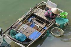 Fiskare kvinna i Vietnam Royaltyfri Foto