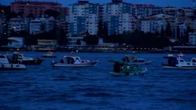 Fiskare och fartyg på havet lager videofilmer