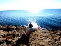 Fiskare på kusten av Cypern Fotografering för Bildbyråer