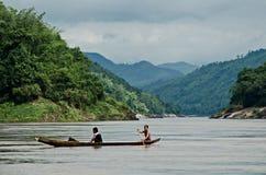 Fiskare på Mekongen Arkivfoton