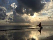 Fiskare på soluppgången Royaltyfri Bild