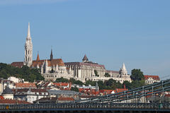 Fiskarebastion och Matthias kyrka Budapest Royaltyfri Bild