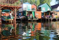 Fiskareby på den Dnieper floden Royaltyfri Bild