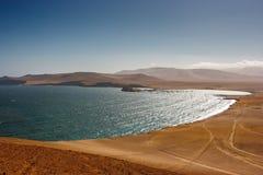 Fiskarebyn av Lagunillas, Paracas, Peru royaltyfri bild