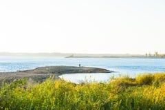 fiskarekamchatka flod russia Royaltyfria Bilder
