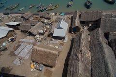 Fiskarekojor och fartyg Arkivfoton