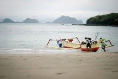 Fiskaren går att fiska Royaltyfria Bilder