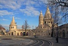 Fiskares bastion och Matthias Church i Budapest, Ungern Royaltyfri Foto