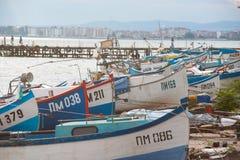 Fiskares hamnplats i Pomorie, Bulgarien royaltyfri fotografi