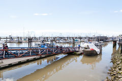 Fiskares hamnplats på den Steveston byn i Richmond, F. KR. Royaltyfri Fotografi