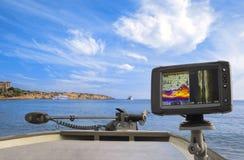 fiske Fishfinder echolot, sonar på fartyget royaltyfria foton