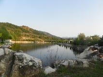 Fiske sjö bergen Royaltyfri Fotografi