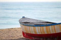 Fiskebåt i Barcelona royaltyfri foto