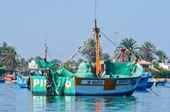 Fiskebåt i den Paracas nationalparken peru Arkivbilder