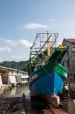 Fiskebåt i Keelung Taiwan Arkivfoto
