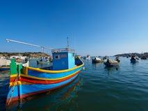 Fiskebåt i Marsaxlokk royaltyfri fotografi