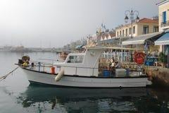 Fiskebåt på Katakolo Arkivfoto