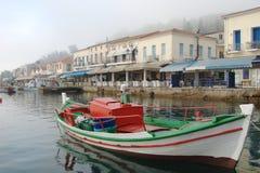 Fiskebåt på Katakolo port Fotografering för Bildbyråer
