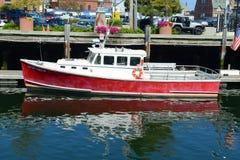 Fiskebåt på Portland, Maine, USA Arkivbild