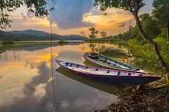 Fiskebåt två på den sjöbatam riauen indonesia arkivbild