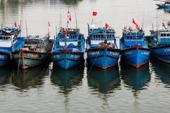 Fiskebåtar i Da Nang, Vietnam Royaltyfri Fotografi