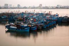 Fiskebåtar i Da Nang, Vietnam Royaltyfria Foton