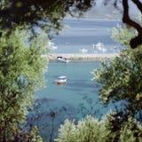 Fiskebåtar i hamnen av Koroni Royaltyfri Fotografi