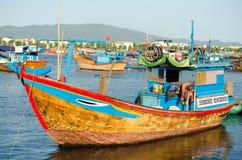 Fiskebåtar i marina på Nha Trang, Vietnam Royaltyfria Foton
