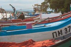Fiskebåtar, innan att gå till Blacket Sea Arkivbilder