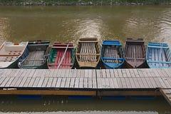 Fiskebåtar på en pir Royaltyfri Foto