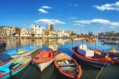 Fiskebåtar på gammal port i Bizerte Tunisien Nordafrika royaltyfria bilder