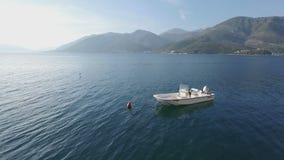 Fiskebåtar på hamnen i morgonen lager videofilmer