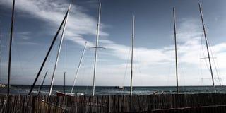 Fiskebåtar på stranden. Royaltyfri Bild