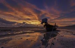 Fiskebåtar på vattnet Fotografering för Bildbyråer