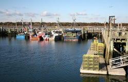 Fiskebåtar som är klara att arbeta Royaltyfri Bild