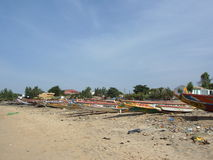 Fiskebåtar som är typiska av Senegal Fotografering för Bildbyråer