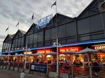 FiskebåthamnFremantle Kailis restaurang Royaltyfria Foton