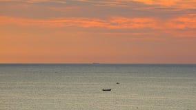 Fiskebåtsydkinesiska havet Dawn Sky HD arkivfilmer