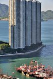 Fiskebåt i Hong Kong, slut vid uppehållområde Royaltyfri Foto