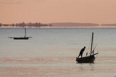 Fiskebåt - Inhassoro - Mocambique Arkivbild